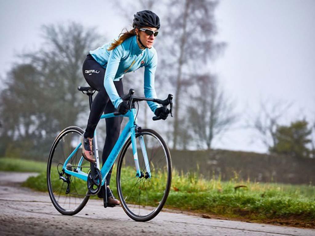 Giá bán xe đạp đua phải chăng chỉ từ 2 triệu đồng
