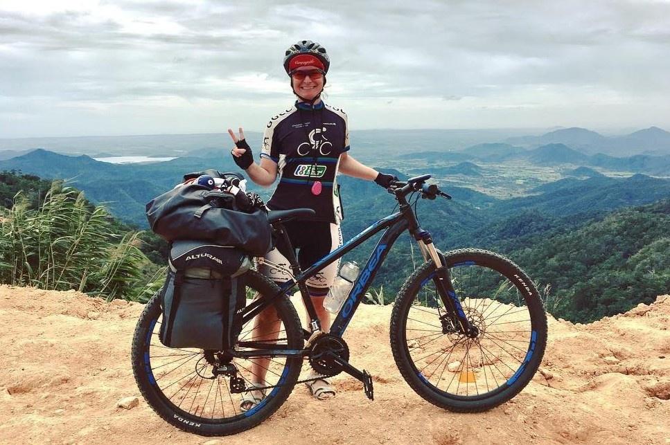 Nữ du khách Tây và hành trình đạp xe ngắm dọc Việt Nam